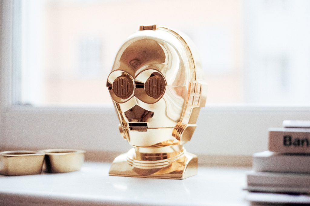 C3PO/A robot head in a home.