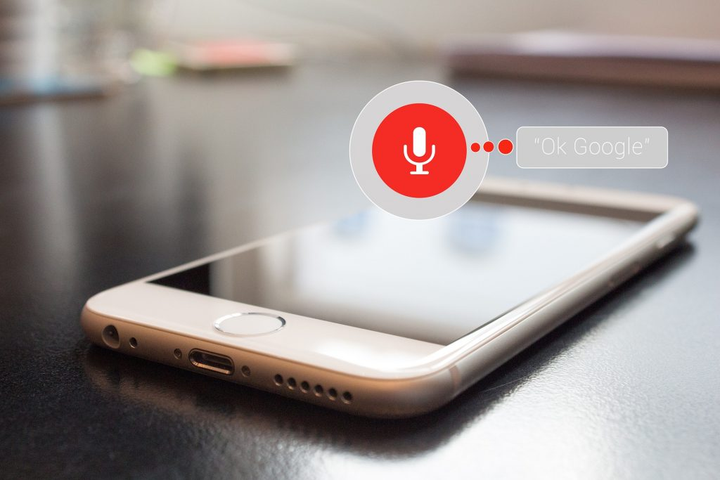 mobile phone using voice assistant feature